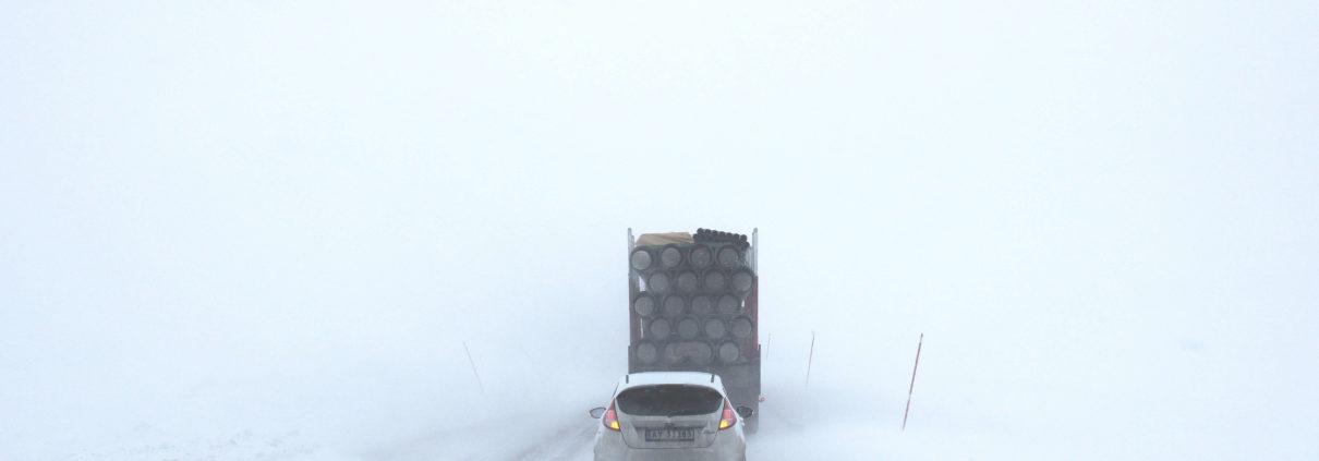 ¿Cómo conducir con seguridad con hielo y nieve?