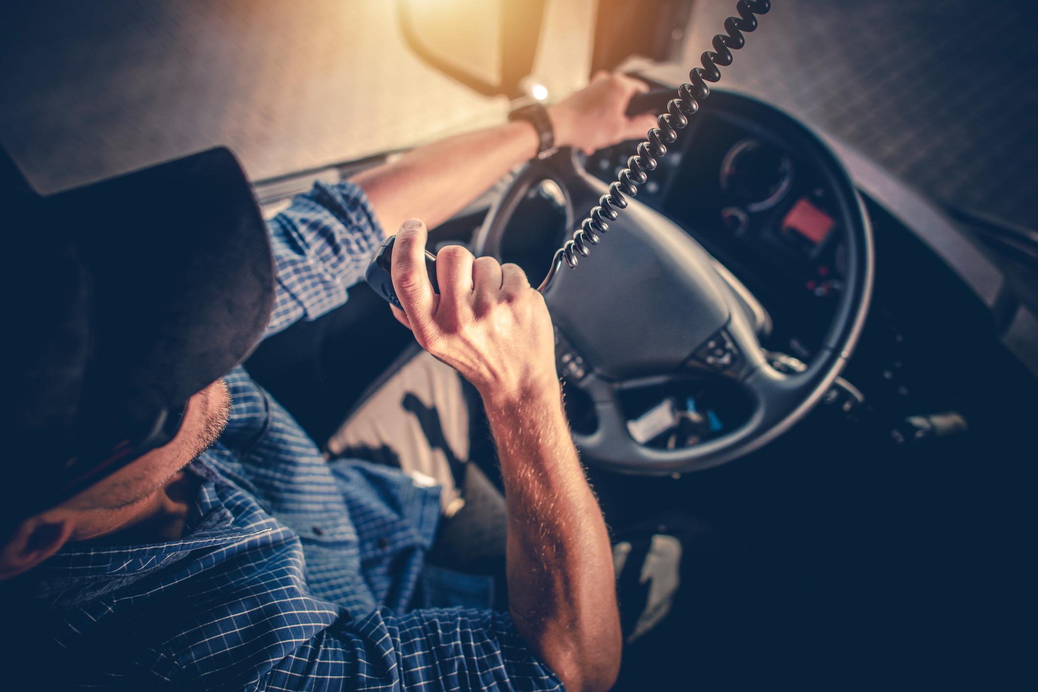 Consejos para conducir camiones de cargas pesadas